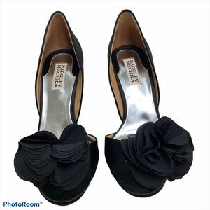 Badgley Mischka Black Satin Peep Toe Heels Size 7